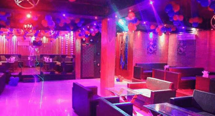 Ambience of Bj's Lounge & Cafe