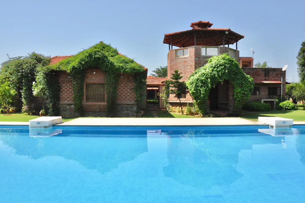 Farmhouse 1101 Manesar
