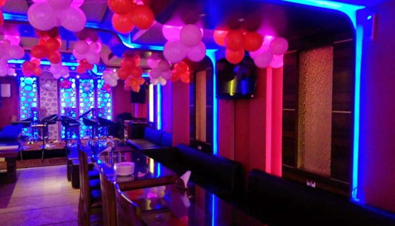 Birthday party at my love restaurant and bar Paharganj