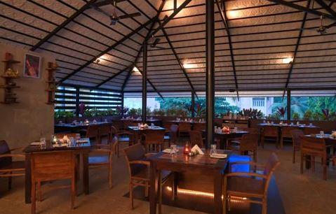 Birthday party at the lounge - eden park restaurants Jayanaga