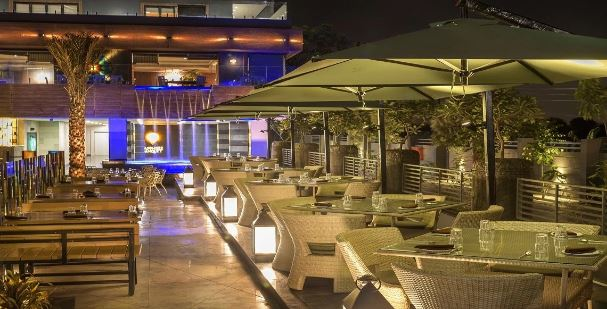 blue water a perfect corporate party place