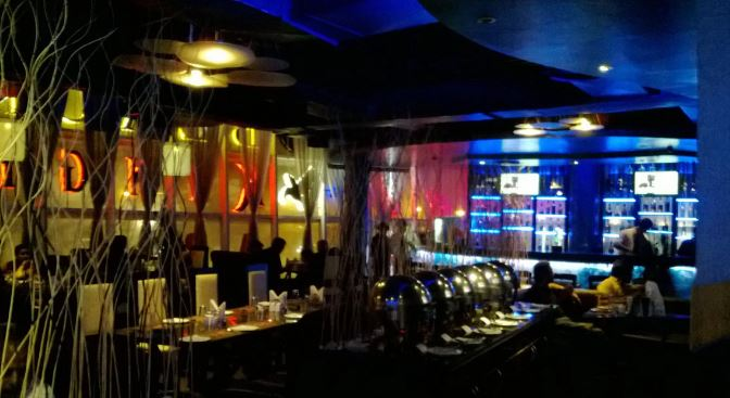exclusive party packages of oval lounge