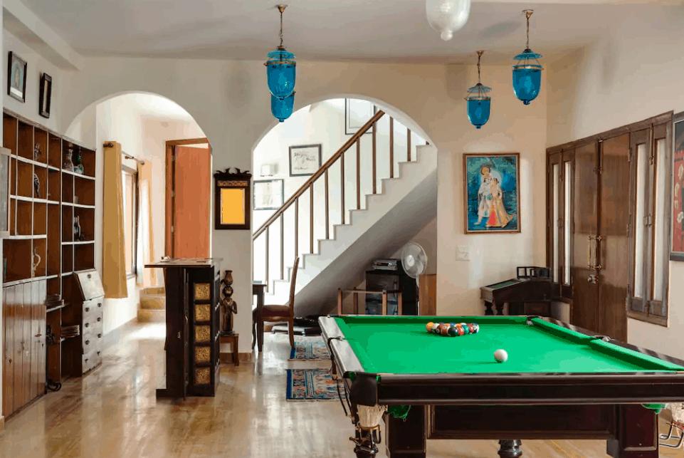 Interior Decor of Farmhouse 1104 GN