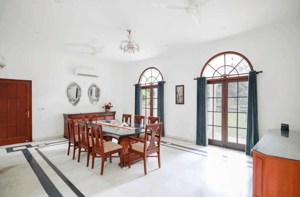 Interior Decor of Farmhouse 1106 GN
