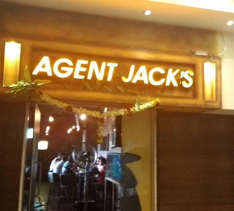 Interior of agent jacks Baner