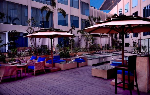 Aire Skybar And Grills - Crowne Plaza Jaipur