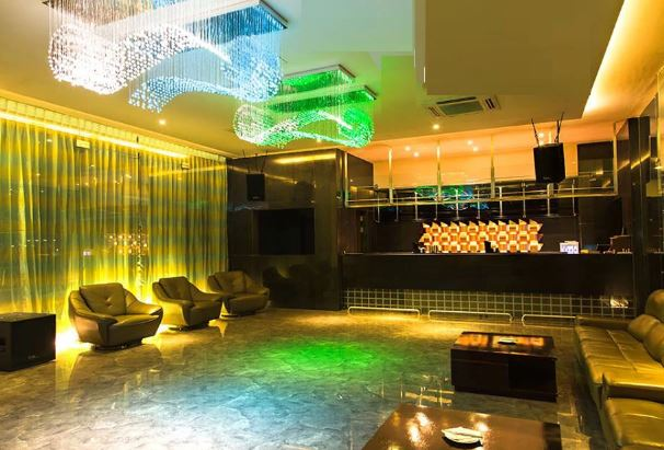 Interior of atmosphere 6 Viman Nagar
