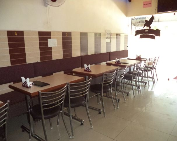 Blue Nite - Bar And Restaurant