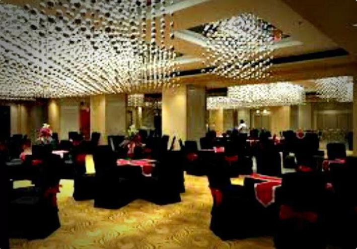 Cafe Delite & Bar - Hotel Delite Grand