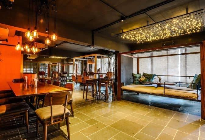 Harrys Bar + Cafe