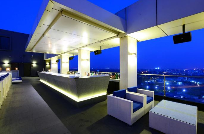 Level 12 - DoubleTree By Hilton Hotel