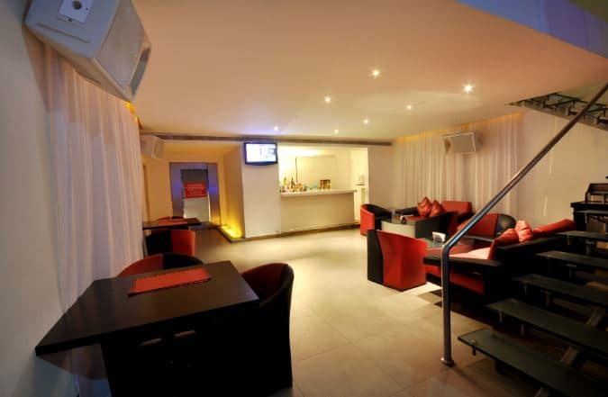Level Lounge - The Central Court Hotel