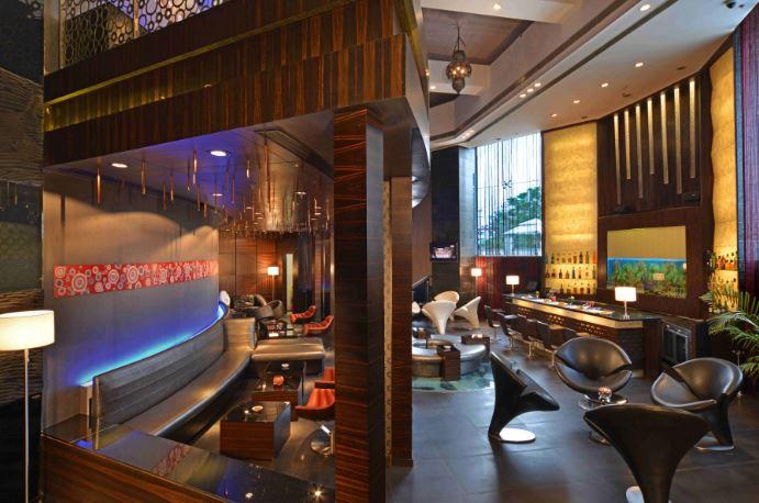 Stills Bar - Holiday Inn