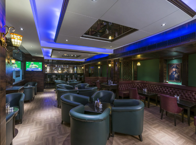 The Oaks - Lounge and Bar - GCC Hotel and Club