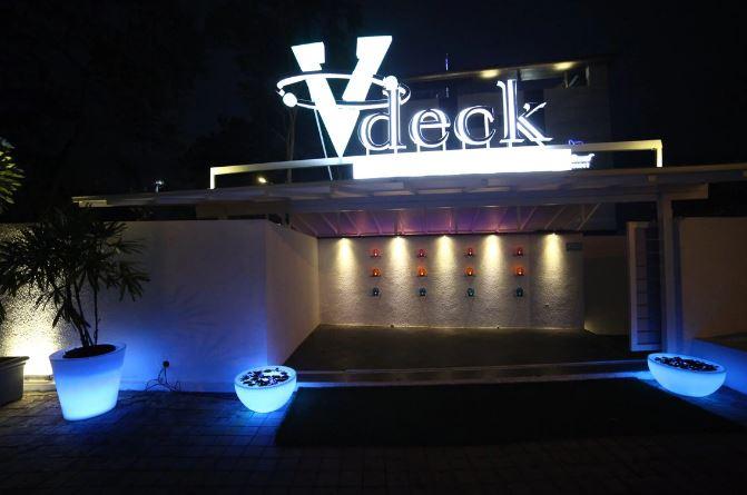 V - Deck
