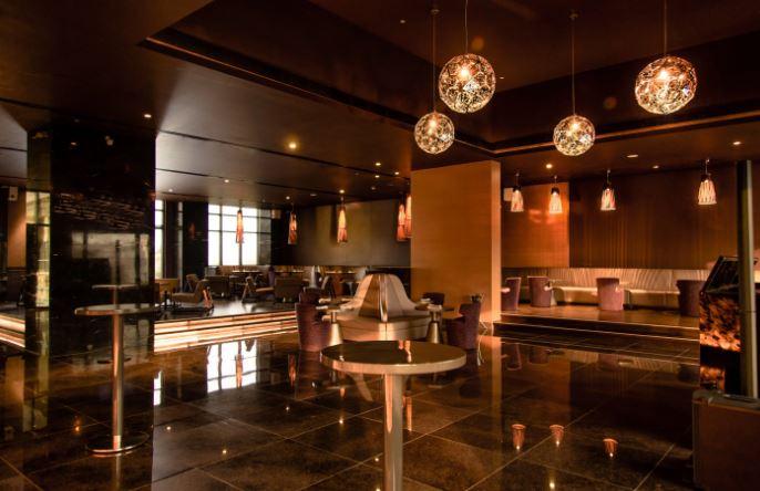 Vapor - Feathers, A Radha Hotel