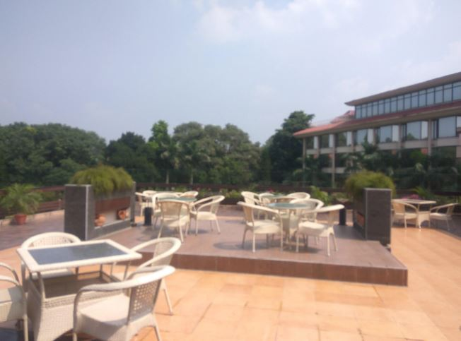 Vintage Terrace Lounge Bar - Hotel Mountview