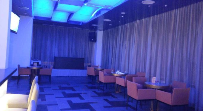iq lounge bar - mercure hyderabad kcp a perfect corporate party place