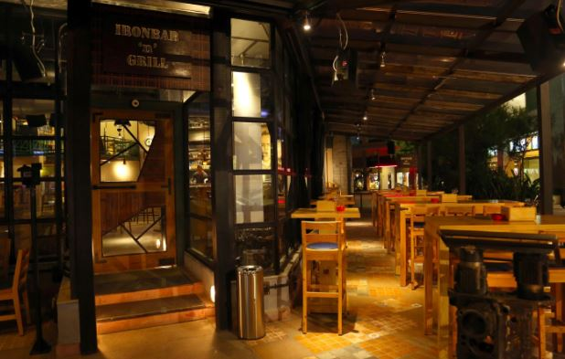 ironbar n grill a perfect corporate party place