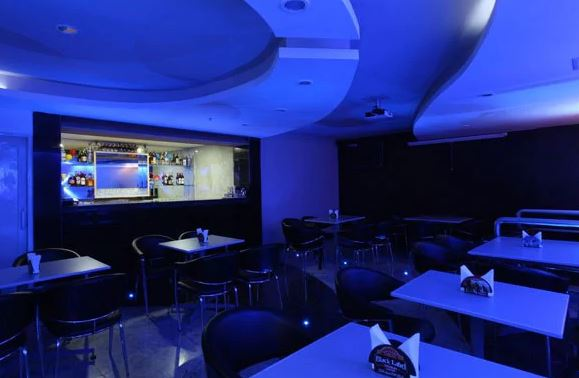 mistral bar a perfect corporate party place