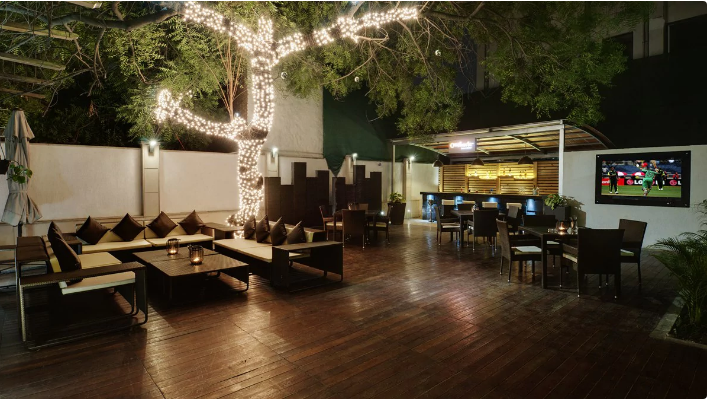 outback bar and grill - leisure inn a perfect corporate party place