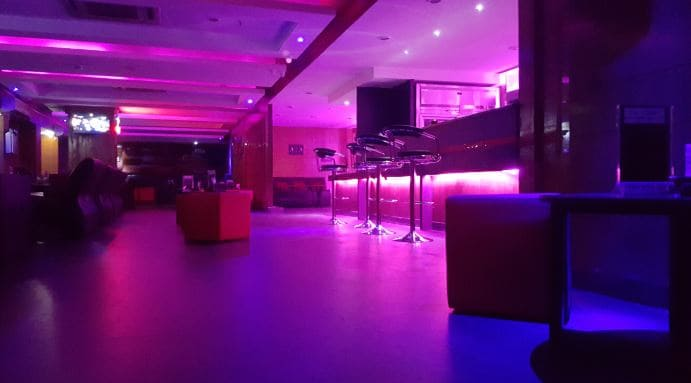 purple hazee a perfect corporate party place