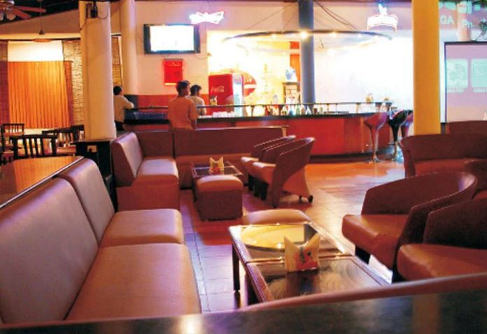 retro lounge bar a perfect corporate party place