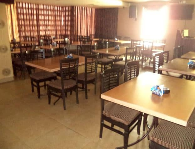 rock deal restaurant and bar a perfect corporate party place