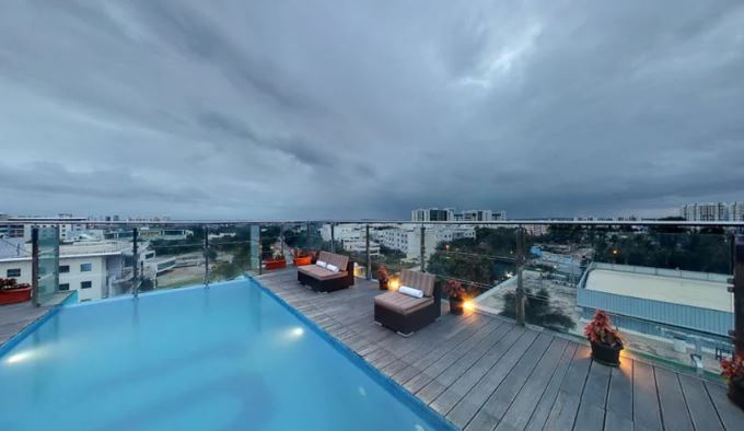 sky lounge bar - svenska design hotel a perfect corporate party place