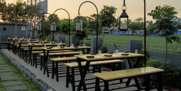 Terrace Party at blue water