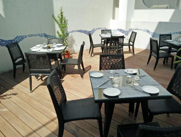 Terrace Party at liqua - rooftop poolside bar