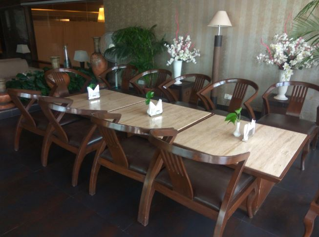 Terrace Party at vintage terrace lounge bar - hotel mountview
