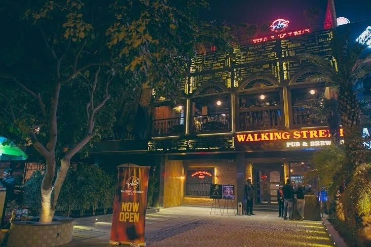 Terrace Party at walking street by soi7