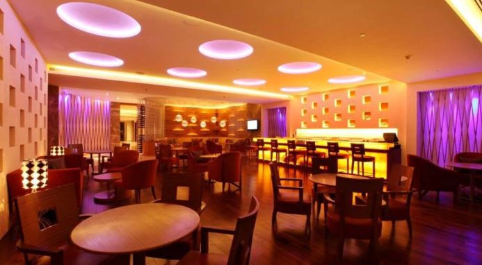 the fishbowl - hyatt pune  a perfect corporate party place