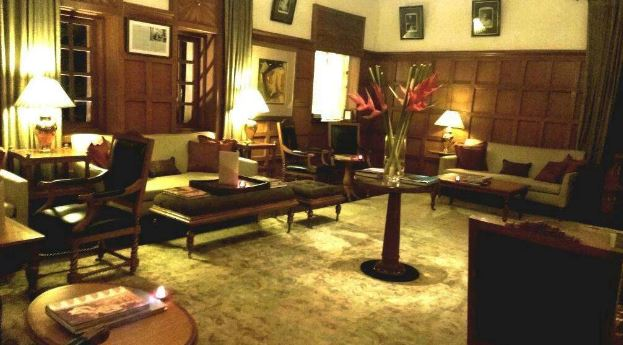 the rajwada library bar - the oberoi rajvilas a perfect corporate party place