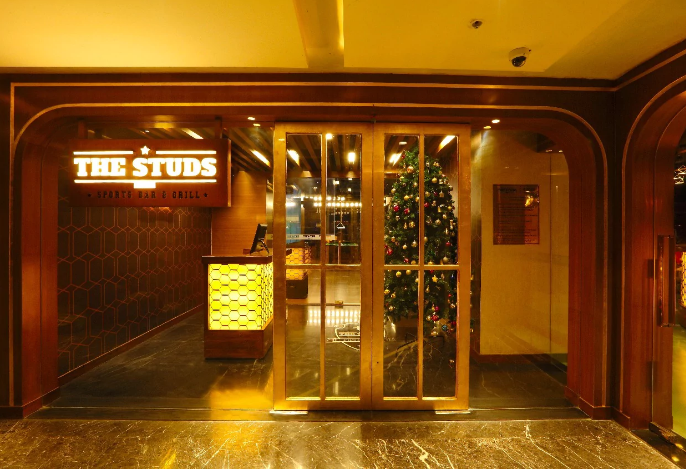the studs sports bar and grill a perfect corporate party place