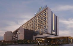 Leela Ambience Convention Hotel Karkardooma
