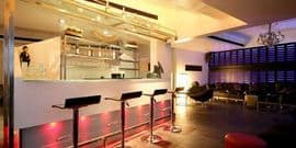 1 Lounge and Restaurant Mundhwa