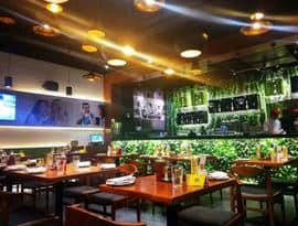Cafe Mezzuna Prince Anwar Shah Road