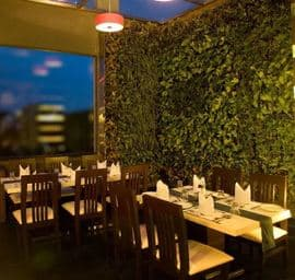 Sandalwood Restro Bar Majestic