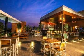 Stone Waters - Kitchen And Lounge Jubilee Hills