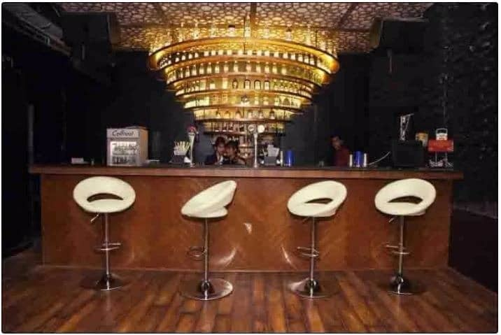 tornado cafe   resto bar a perfect corporate party place