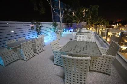 v - deck a perfect corporate party place