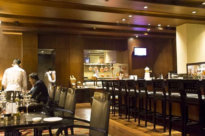 west view bar and grill - itc sonar a perfect corporate party place